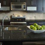 سنگ مصنوعی کورین مشکی سفید ساده برای کانتر آشپزخانه
